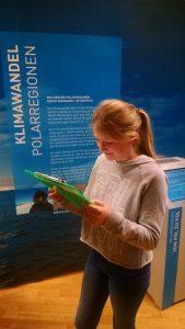 """Besuch der Ausstellung """"Gradwanderung"""" im Klimacenter"""